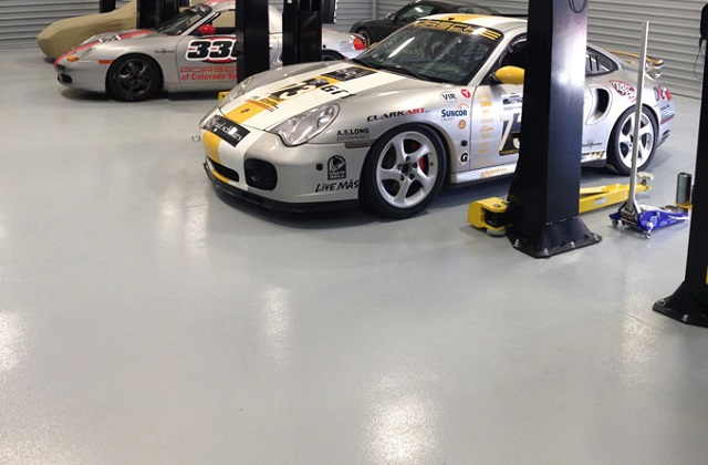 stonlux sl in race car service bay